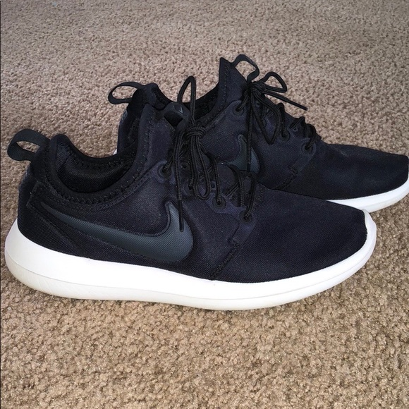 low priced 9c8d8 cf690 Nike Roshe 2- women s size 6.5. M 5a918b066bf5a646c76b1a12